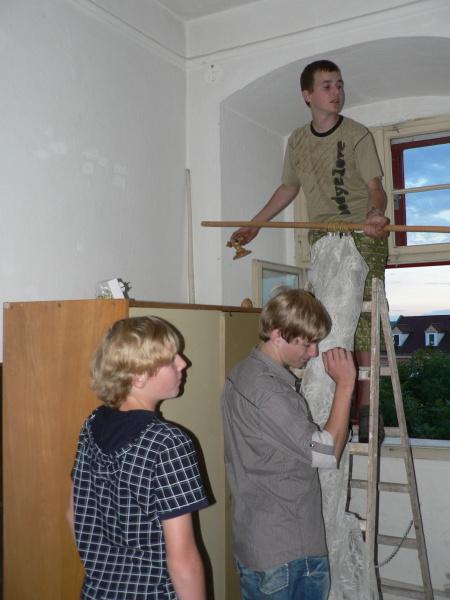 Oprava spadlé záclony
