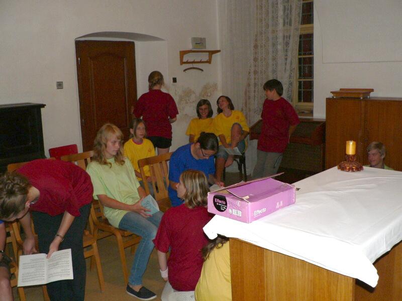 V kapli probíhala zkouška zpěvu