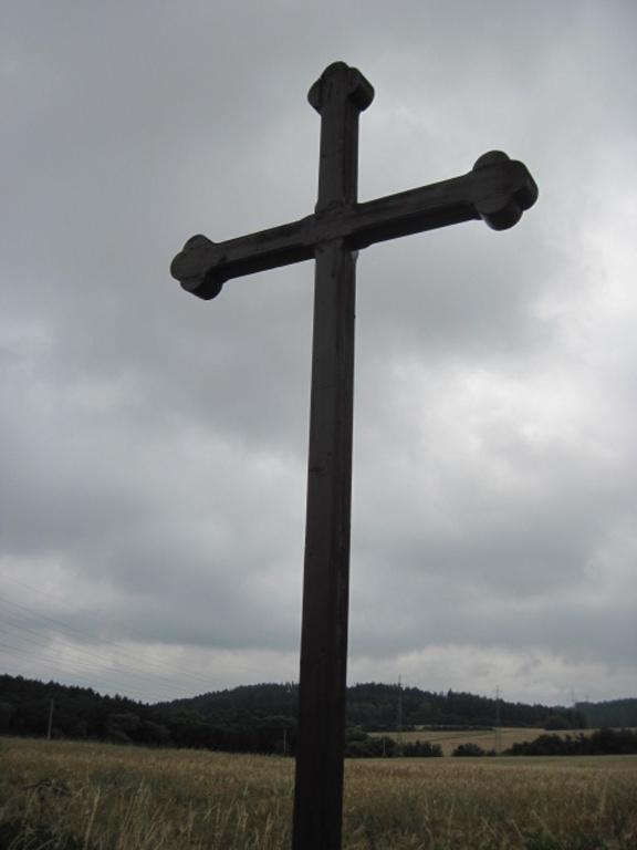 Krásný pohled skrze kříž