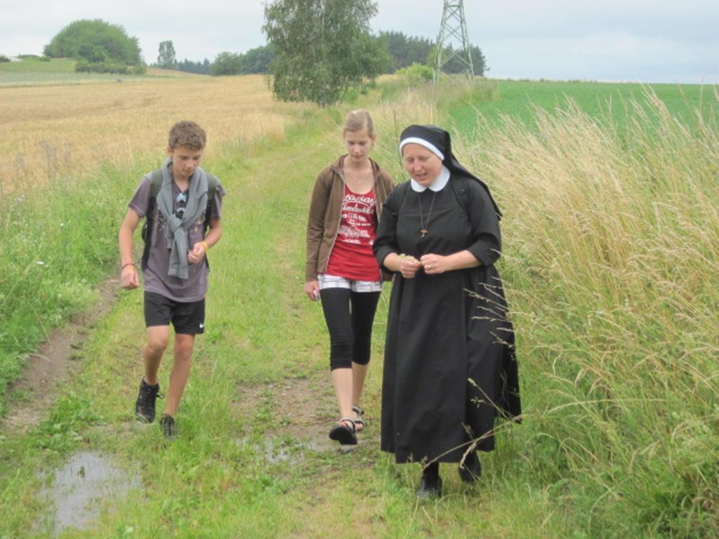 Z cesta na Makovou, Josef, Pája a sestra Kateřina