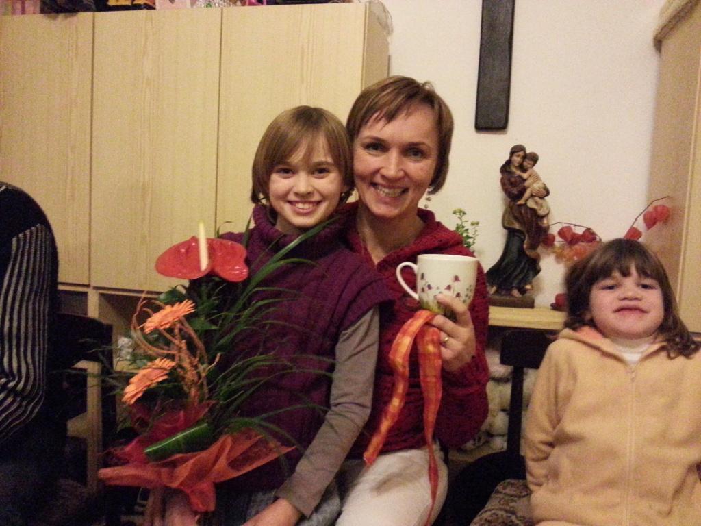 Paní Jarolímková dnes slavila význačný den! Kulaté narozeniny!