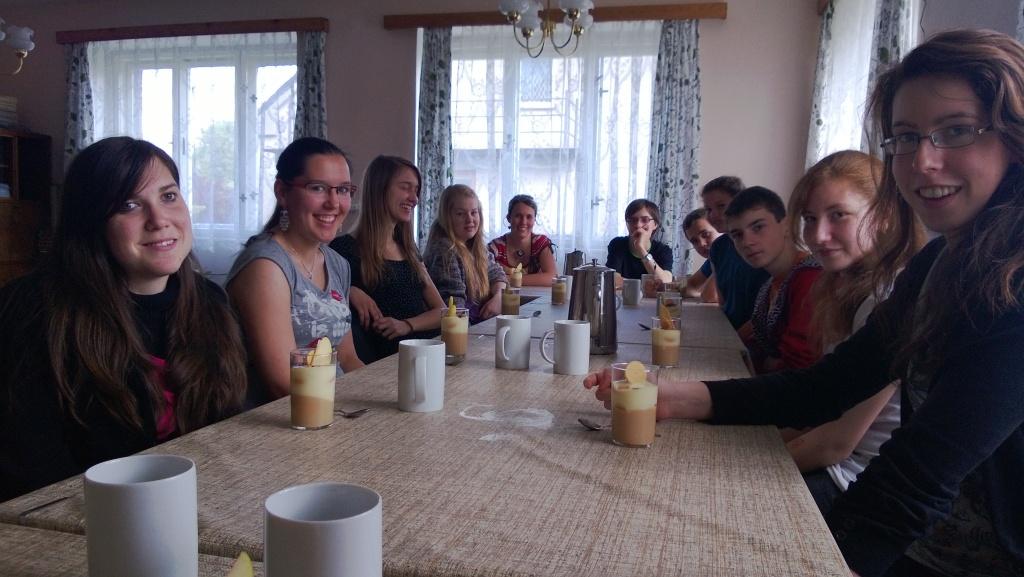 Oběd byl korunován překvapením: vynikajícím pudingem...