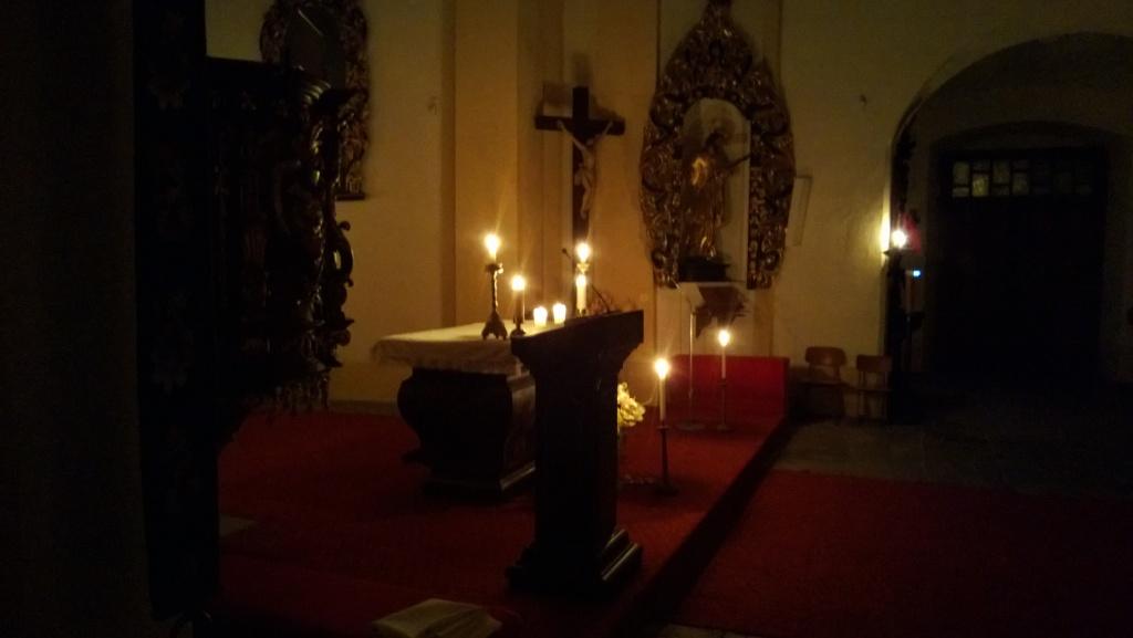7. den – noční mše při svíčkách