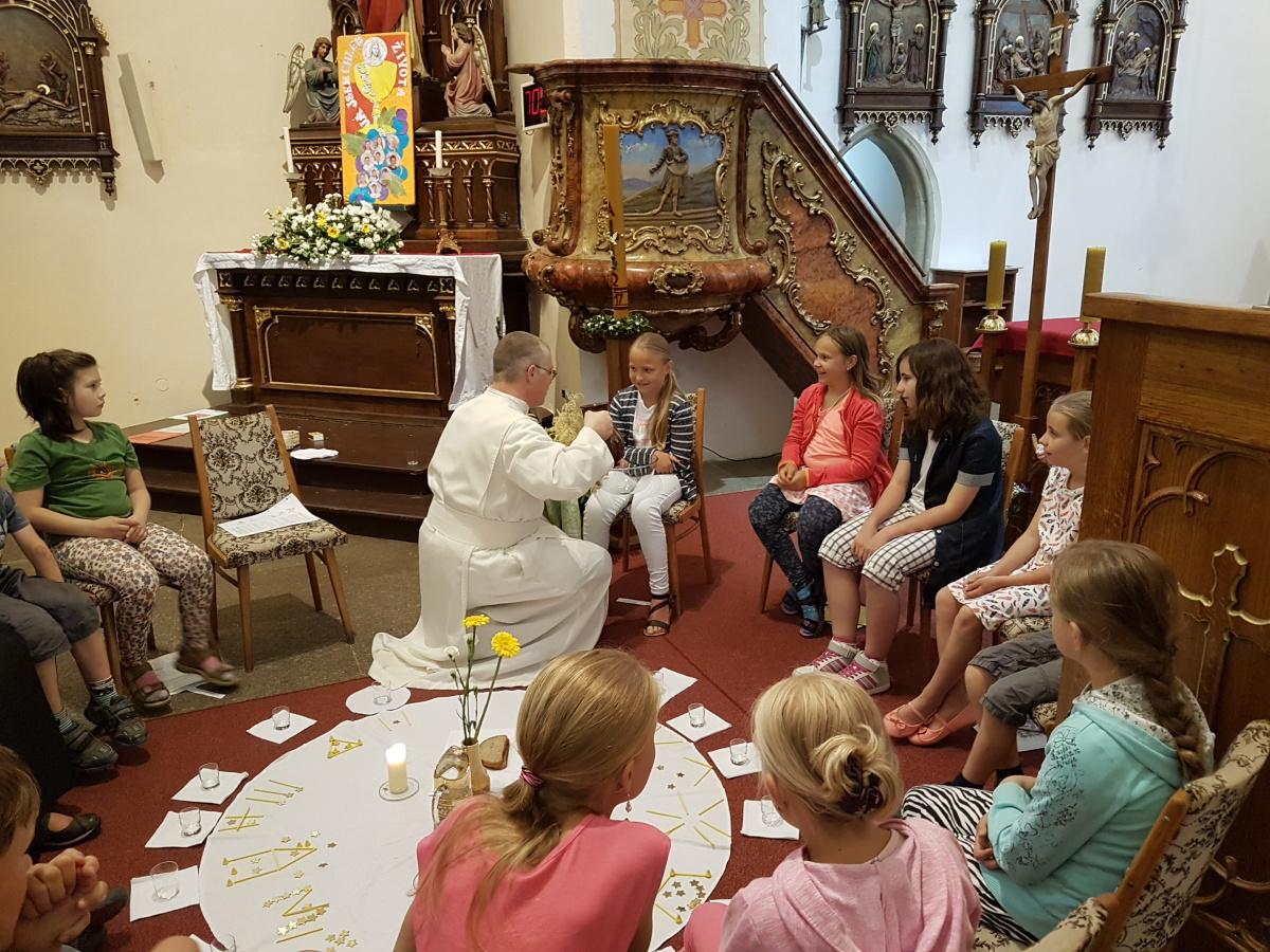 14. června – Vyprávíme si o Ježíšově poslední večeři