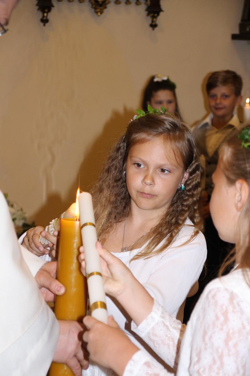 Příprava na vyznání víry, zapálení křestní svíce